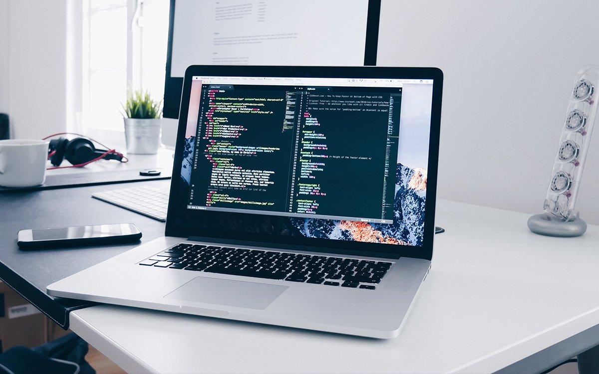 Een wordpress website laten maken of zelf maken?